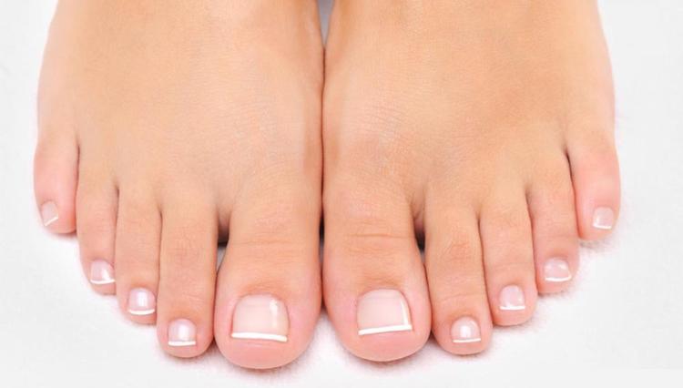 Resized Manicure